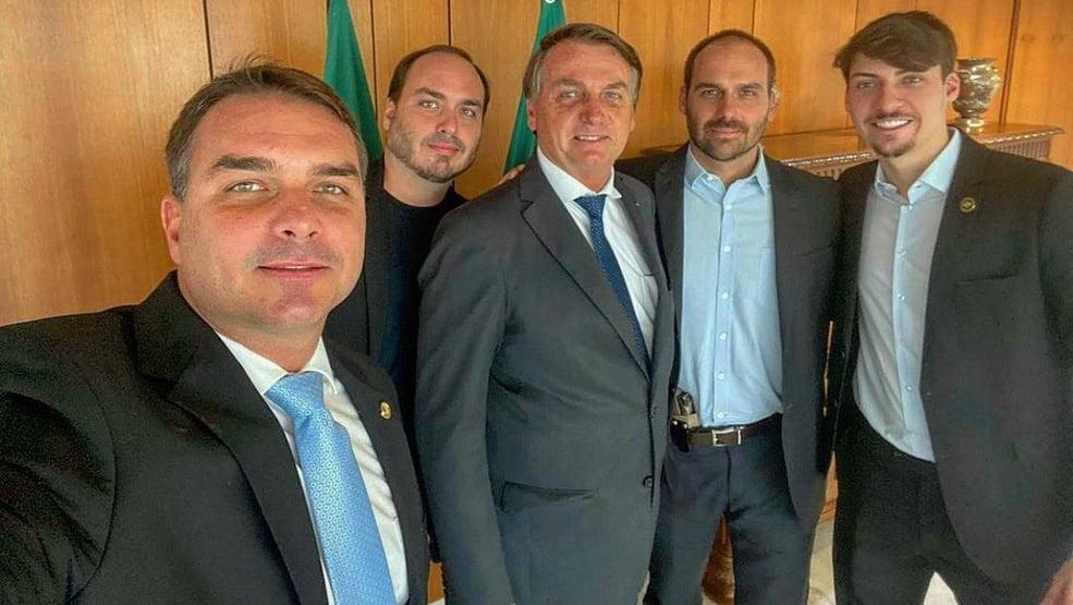 Eduardo Bolsonaro Flavio Bolsonaro Carlos Bolsonaro Jair Bolsonaro Renan Bolsonaro
