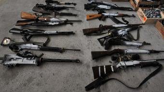 IMAGEM: Compra de armas aumenta 42%