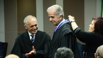 IMAGEM: Com Covid-19, presidente do TCU é internado