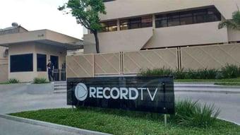 IMAGEM: Angola suspende atividades da TV Record no país
