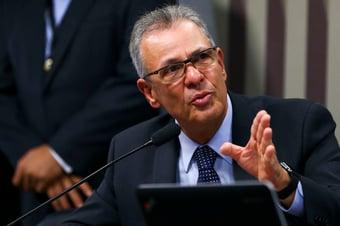 IMAGEM: Ministro promete novo plano energético em 15 dias