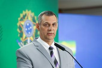 IMAGEM: Bolsonaro acaba com cargo de porta-voz