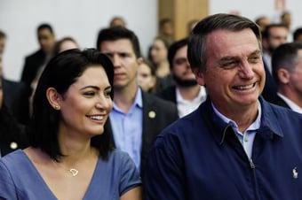 IMAGEM: Bolsonaro sanciona lei que eleva penas para maus-tratos a cães e gatos