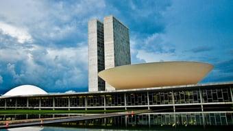 """IMAGEM: Mudança na """"regra de ouro"""" avança na CCJ da Câmara"""