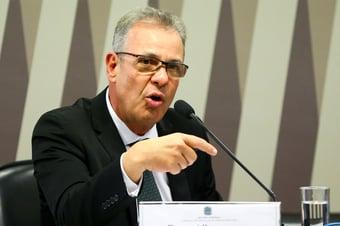 IMAGEM: Ministro de Minas e Energia não discutirá Petrobras