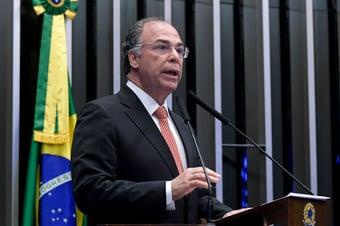 """IMAGEM: Bezerra, sobre derrota do governo no Senado: """"Houve quebra de acordo"""""""