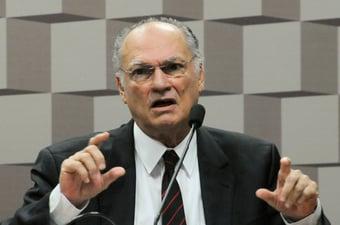 """IMAGEM: Freire diz que invasão do Capitólio """"serve de alerta"""" e reforça apoio a Baleia"""