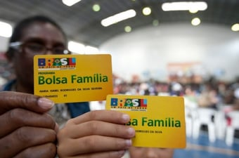IMAGEM: Bolsonaro diz que pretende aumentar valor médio do Bolsa Família para R$ 250