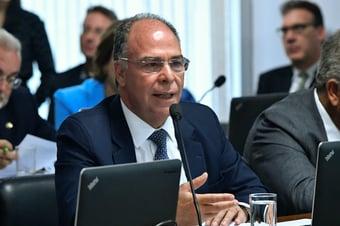 IMAGEM: Mesmo com conflito atenuado, Guedes deve ir ao Senado