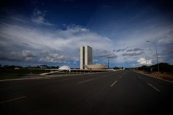 IMAGEM: Oposição na Câmara tenta derrubar decreto de Bolsonaro sobre 'privatização na saúde'