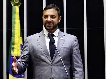 IMAGEM: Contraprova indica que deputado do PSL está com Covid-19