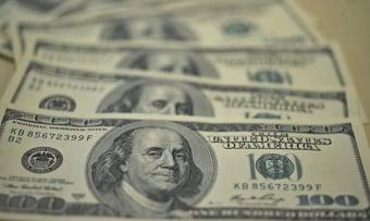 IMAGEM: Dólar fecha primeiro pregão do ano a R$ 5,27