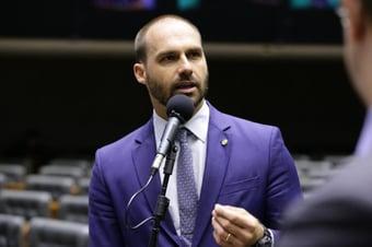 IMAGEM: Eduardo pode ter quebrado decoro ao enviar dossiê, diz Delegado Waldir