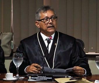 IMAGEM: Corregedoria afasta procurador que associou escravidão a índio não gostar de trabalhar