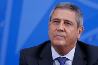 """IMAGEM: Consultoria do Senado rebate Braga Netto: """"Hospital militar é público"""""""