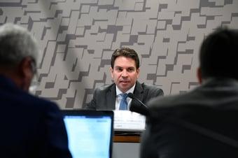 IMAGEM: Senadores do MDB e do PSDB criticam suspensão da nomeação de Ramagem