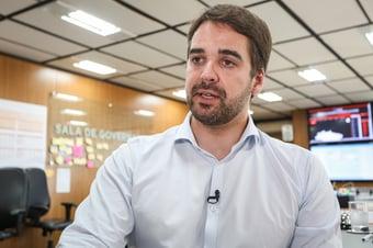 IMAGEM: Eduardo Leite diz que Ministério da Saúde deve coordenar vacinação nos estados