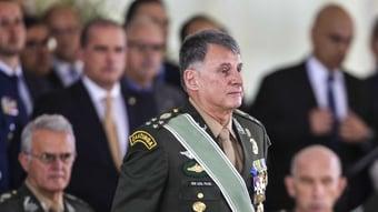 IMAGEM: Comandante do Exército com Covid