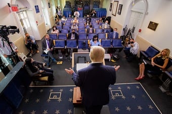 IMAGEM: O lockdown dos jornalistas na Casa Branca