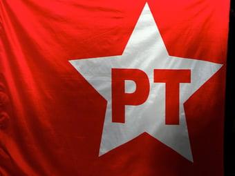 IMAGEM: PT culpa Bolsonaro pela pandemia e pede importação de Sputnik V