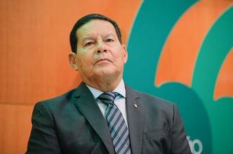 """IMAGEM: Mourão, sobre ser vice de Bolsonaro em 2022: """"Estou trabalhando para isso"""""""