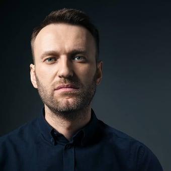 IMAGEM: Opositor russo Alexei Navalny sai do coma induzido, informa hospital