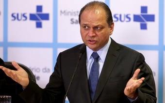 IMAGEM: 'Só professor não quer trabalhar na pandemia', diz Ricardo Barros