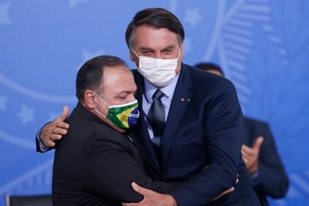 IMAGEM: A grande sacada de Bolsonaro