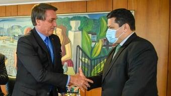 IMAGEM: Alcolumbre se reúne com Bolsonaro para influir mais em sucessão no Senado
