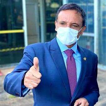 IMAGEM: Relator do Orçamento corta R$ 10 bilhões em emendas e abre caminho para fim do impasse