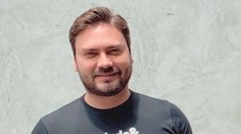 IMAGEM: Novo apaga perfil de Filipe Sabará de seu site oficial
