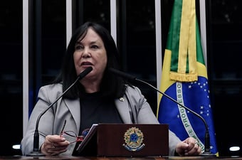 """IMAGEM: Eleição no Senado: """"Nenhum partido está unido"""", diz Rose de Freitas"""