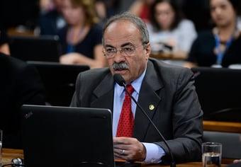 IMAGEM: Chico Rodrigues se antecipa à CPI e volta a jurar inocência