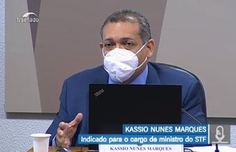 IMAGEM: Kassio gagueja e não explica trabalho da mulher no Senado