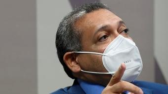 IMAGEM: Apoiadores pró-armas irritados com Bolsonaro