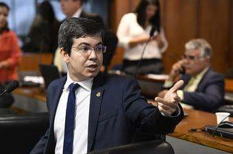 IMAGEM: Amapá sofre apagão total novamente, diz senador