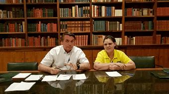 IMAGEM: Bolsonaro faz 'live surpresa' e ignora vitória de Biden