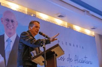 IMAGEM: Russomanno faz tabelinha com blogueiro bolsonarista em debate