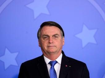 IMAGEM: Bolsonaro aposta em… Bolsa Família