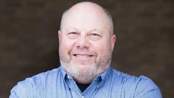 IMAGEM: Dakota do Norte elege homem que morreu de Covid
