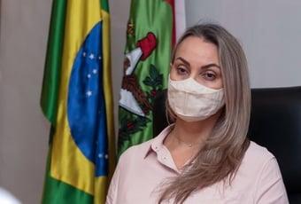 IMAGEM: Governadora interina de SC apaga tweet em que condenava agressão a jornalistas
