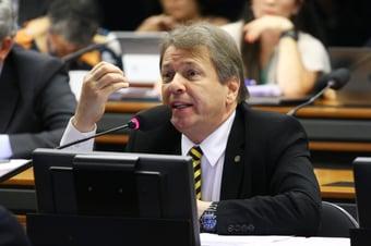 """IMAGEM: Bibo diz que para tirar Bolsonaro """"tem que vencê-lo nas urnas"""""""