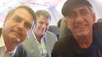 """IMAGEM: """"Parece que Bolsonaro está em surto"""""""