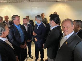 IMAGEM: Bolsonaro encontra presidente do Paraguai em Foz do Iguaçu