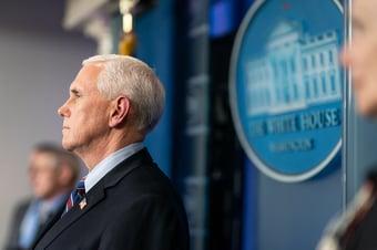 IMAGEM: Pence contesta tentativa de trumpistas de mudar resultado eleitoral