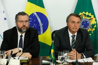 IMAGEM: Em negociação por vacinas, Bolsonaro vai a festa da Índia em Brasília