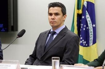 IMAGEM: Deputado do Podemos contrário ao impeachment de Bolsonaro culpa gestores locais