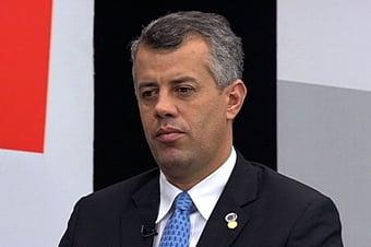 IMAGEM: Vice-líder do governo se oferece para interceder junto à China