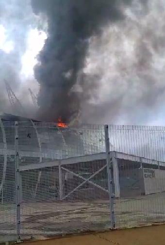 IMAGEM: No Ceará, bombeiros controlam incêndio na Arena Castelão