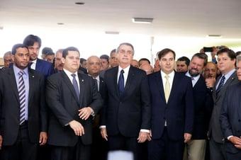 IMAGEM: Bolsonaro continuará tendo uma oposição de mentirinha?